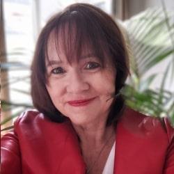 Marina Schoebel - Traveleague